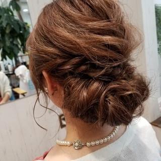 結婚式 グレージュ フェミニン ヘアアレンジ ヘアスタイルや髪型の写真・画像