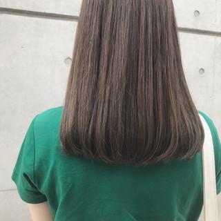 ミルクティーベージュ 透明感カラー ベージュ ブラウンベージュ ヘアスタイルや髪型の写真・画像