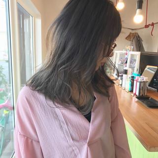 外国人風カラー ミディアム オフィス ストリート ヘアスタイルや髪型の写真・画像