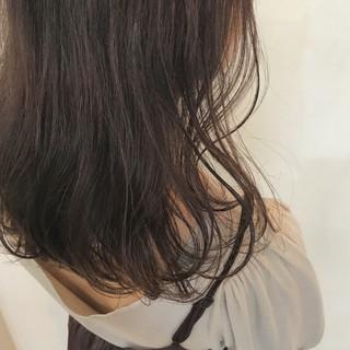 ミディアム 抜け感 ガーリー 愛され ヘアスタイルや髪型の写真・画像