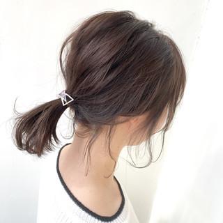 後れ毛 ヘアアレンジ 簡単ヘアアレンジ ヘアアクセ ヘアスタイルや髪型の写真・画像