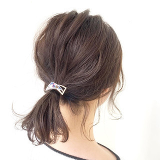 後れ毛 ヘアアレンジ 簡単ヘアアレンジ ヘアアクセ ヘアスタイルや髪型の写真・画像 | Kaoru_ishiga / RadiaL HAIR DESIGN