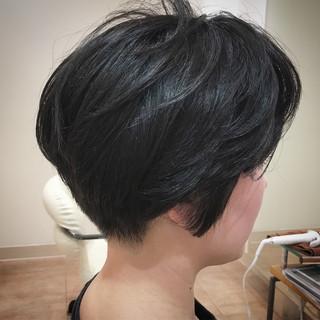 大人ショート ショートヘア 刈り上げ ショートボブ ヘアスタイルや髪型の写真・画像
