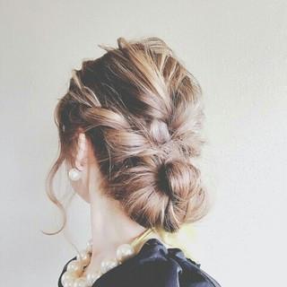 上品 結婚式 ウェーブ ヘアアレンジ ヘアスタイルや髪型の写真・画像
