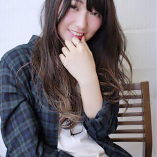 ローライト バレイヤージュ ブラウン ロング ヘアスタイルや髪型の写真・画像