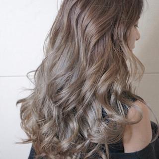ロング 抜け感 シルバー ストリート ヘアスタイルや髪型の写真・画像