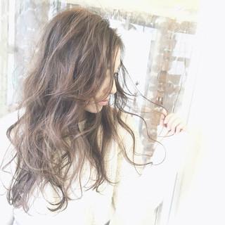 ガーリー フェミニン ロング ブルージュ ヘアスタイルや髪型の写真・画像
