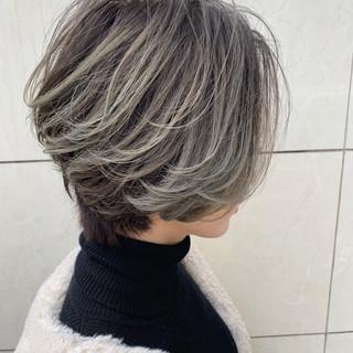 上品 グラデーションカラー ハイライト ショート ヘアスタイルや髪型の写真・画像 ヘアスタイルや髪型の写真・画像