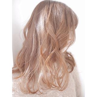ゆるふわ ハイライト アッシュ ロング ヘアスタイルや髪型の写真・画像