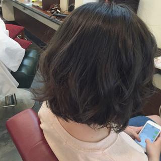 ダークアッシュ アッシュ グレージュ ストリート ヘアスタイルや髪型の写真・画像
