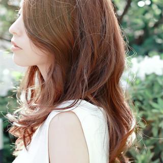 パーマ ベージュ ゆるふわ フェミニン ヘアスタイルや髪型の写真・画像 ヘアスタイルや髪型の写真・画像