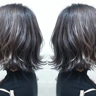 モード 外ハネ シルバーアッシュ ブリーチ ヘアスタイルや髪型の写真・画像