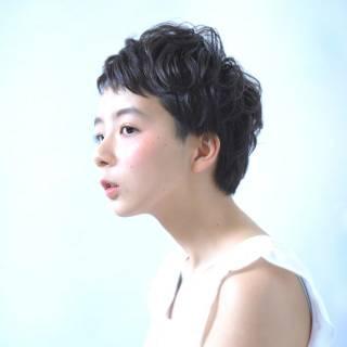 黒髪 ショート ストリート くせ毛風 ヘアスタイルや髪型の写真・画像