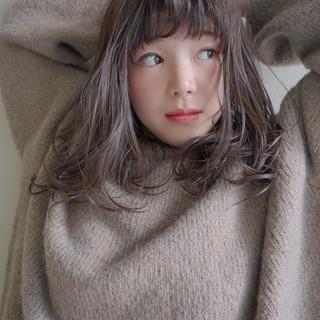 暗髪 アッシュグレージュ セミロング 透明感カラー ヘアスタイルや髪型の写真・画像