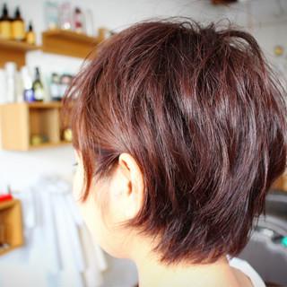 くせ毛風 ストリート ピンク フェミニン ヘアスタイルや髪型の写真・画像