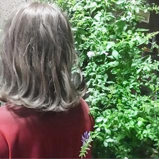 スモーキーカラー 冬 ボブ グレージュ ヘアスタイルや髪型の写真・画像