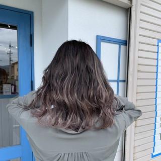 ナチュラル ブリーチ セミロング ダブルカラー ヘアスタイルや髪型の写真・画像