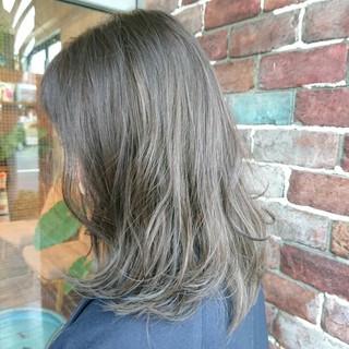 外国人風 ストリート バレイヤージュ ハイライト ヘアスタイルや髪型の写真・画像 ヘアスタイルや髪型の写真・画像