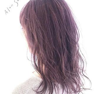 ピンクベージュ ラベンダーピンク ピンクアッシュ ロング ヘアスタイルや髪型の写真・画像