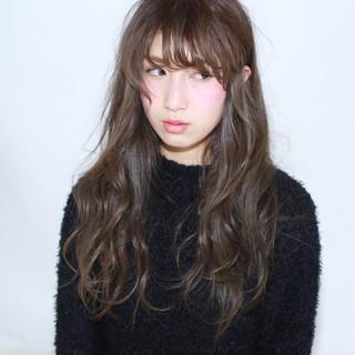 ゆるふわ 暗髪 ロング 外国人風 ヘアスタイルや髪型の写真・画像