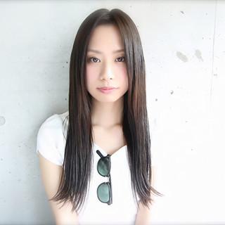 外ハネ ロング 暗髪 大人かわいい ヘアスタイルや髪型の写真・画像 ヘアスタイルや髪型の写真・画像