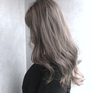 エレガント 上品 グレー ハイライト ヘアスタイルや髪型の写真・画像