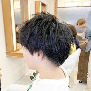 メンズカット メンズパーマ ナチュラル ショート ヘアスタイルや髪型の写真・画像