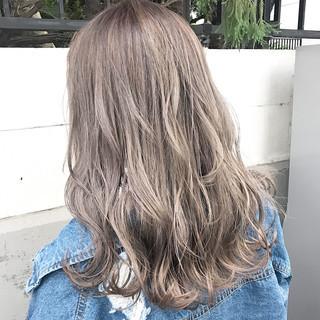 ハイライト ストリート アッシュ ミルクティー ヘアスタイルや髪型の写真・画像