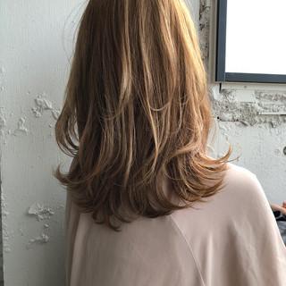 ナチュラル 大人ミディアム 極細ハイライト ショートボブ ヘアスタイルや髪型の写真・画像