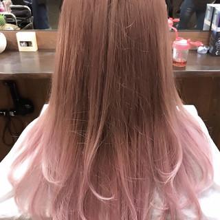セミロング 透明感カラー ピンクベージュ グラデーションカラー ヘアスタイルや髪型の写真・画像