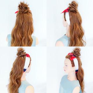 簡単ヘアアレンジ リラックス フェミニン アウトドア ヘアスタイルや髪型の写真・画像