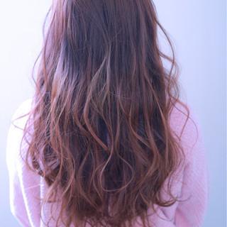 フェミニン ロング ピンク ウェーブ ヘアスタイルや髪型の写真・画像