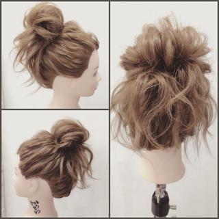 セミロング ストリート ゆるふわ ヘアアレンジ ヘアスタイルや髪型の写真・画像 ヘアスタイルや髪型の写真・画像