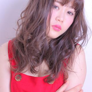 フェミニン モテ髪 グレー 色気 ヘアスタイルや髪型の写真・画像