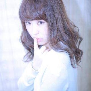フェミニン コンサバ アッシュ 外国人風 ヘアスタイルや髪型の写真・画像 ヘアスタイルや髪型の写真・画像