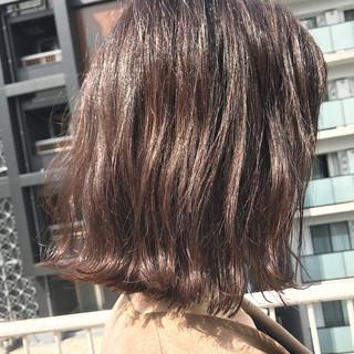 透明感 ボブ ウェーブ 切りっぱなし ヘアスタイルや髪型の写真・画像