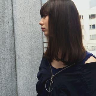 暗髪 セミロング アッシュ 外国人風 ヘアスタイルや髪型の写真・画像 ヘアスタイルや髪型の写真・画像
