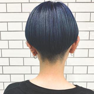 ボブ ネイビーブルー ブルーブラック ショートボブ ヘアスタイルや髪型の写真・画像