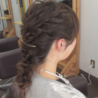 フェミニン 簡単ヘアアレンジ 結婚式 三つ編み ヘアスタイルや髪型の写真・画像 ヘアスタイルや髪型の写真・画像