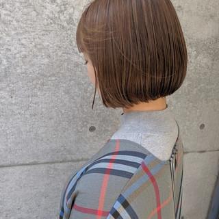 ショートボブ ミニボブ ベージュ 前髪パッツン ヘアスタイルや髪型の写真・画像