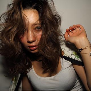 外国人風 ストリート モード 色気 ヘアスタイルや髪型の写真・画像