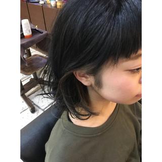 黒髪 インナーカラー ミディアム アッシュ ヘアスタイルや髪型の写真・画像