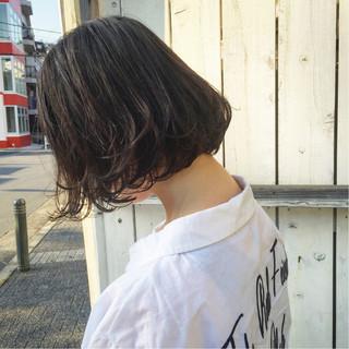 黒髪 パーマ ナチュラル アウトドア ヘアスタイルや髪型の写真・画像 ヘアスタイルや髪型の写真・画像