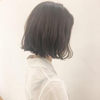 グレージュ パーマ リラックス 切りっぱなし ヘアスタイルや髪型の写真・画像