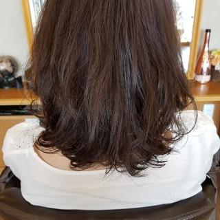 切りっぱなし ロブ ナチュラル デジタルパーマ ヘアスタイルや髪型の写真・画像
