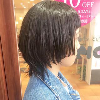 マッシュウルフ ショートヘア コンサバ 黒髪 ヘアスタイルや髪型の写真・画像