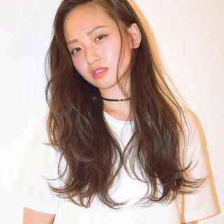くせ毛風 ストレート ロング 黒髪 ヘアスタイルや髪型の写真・画像