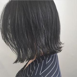 黒髪 ナチュラル 外ハネ 切りっぱなし ヘアスタイルや髪型の写真・画像