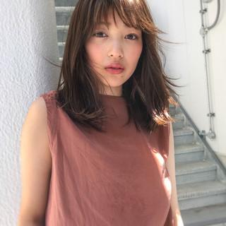 アッシュブラウン ミディアム 秋 大人かわいい ヘアスタイルや髪型の写真・画像