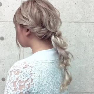 結婚式 ロング 編みおろし フェミニン ヘアスタイルや髪型の写真・画像